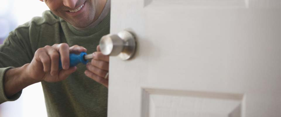 Lock installation in Hamilton and Stoney Creek